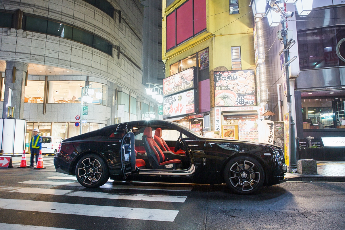 P90358066_highRes_darren-chan-black-ba.jpg
