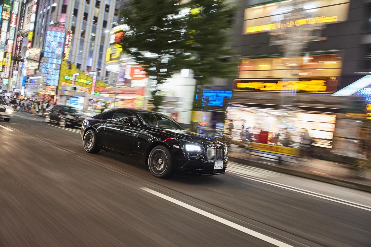 P90358069_highRes_darren-chan-black-ba.jpg