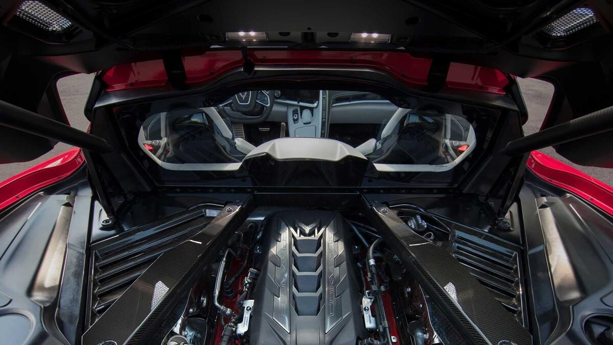 2020-chevrolet-corvette-stingray-18.jpg