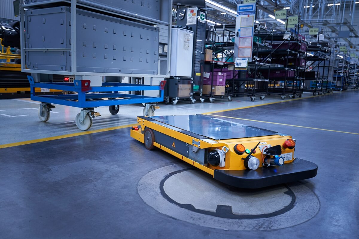 P90331115_highRes_smart-transport-robo.jpg