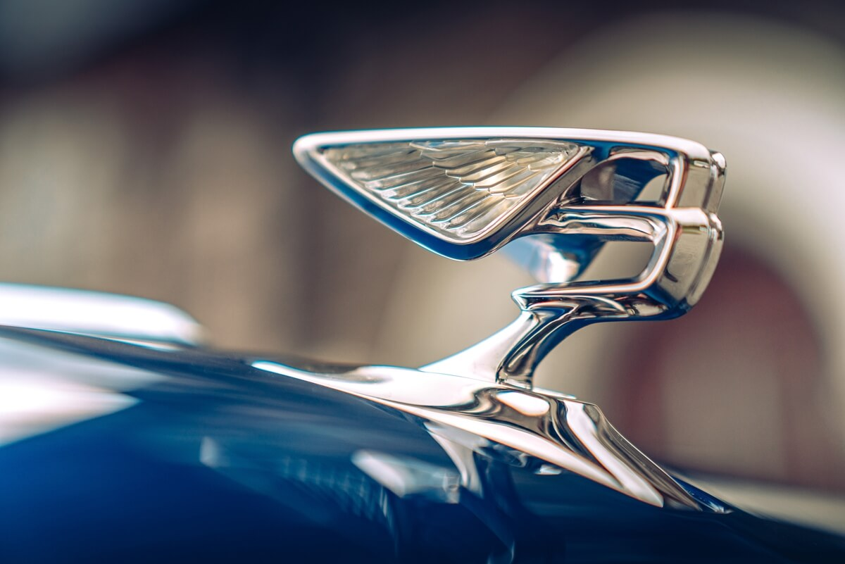 Flying-Spur-First-Edition-5.jpg