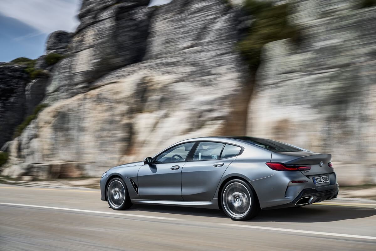 P90351049_highRes_the-new-bmw-8-series.jpg