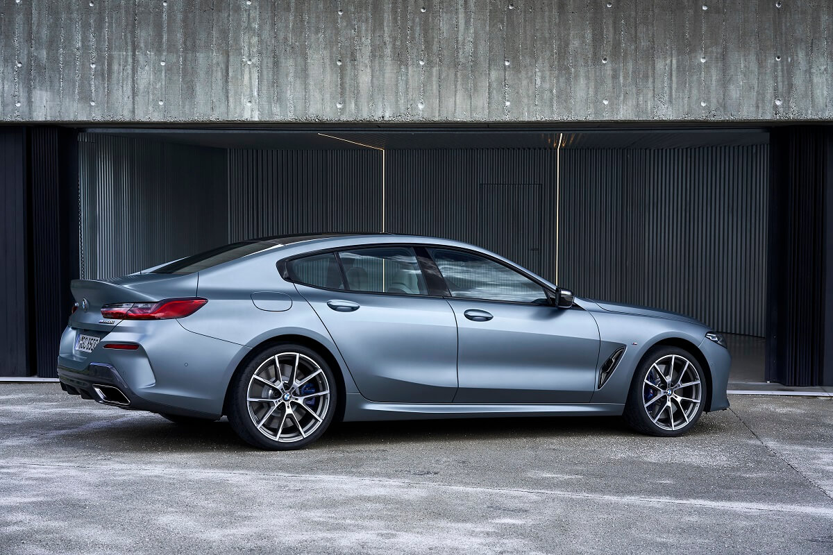 P90351070_highRes_the-new-bmw-8-series.jpg
