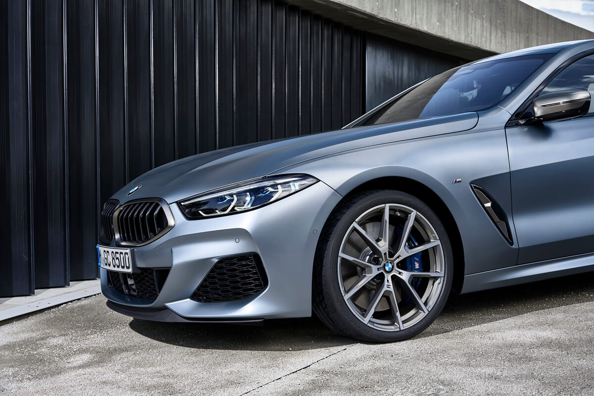 P90351073_highRes_the-new-bmw-8-series.jpg