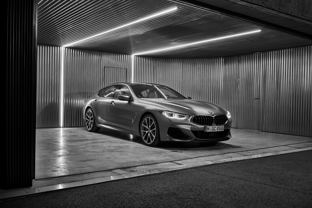 P90351082_highRes_the-new-bmw-8-series.jpg
