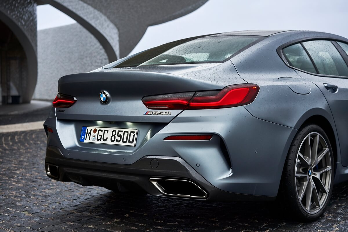 P90351088_highRes_the-new-bmw-8-series.jpg