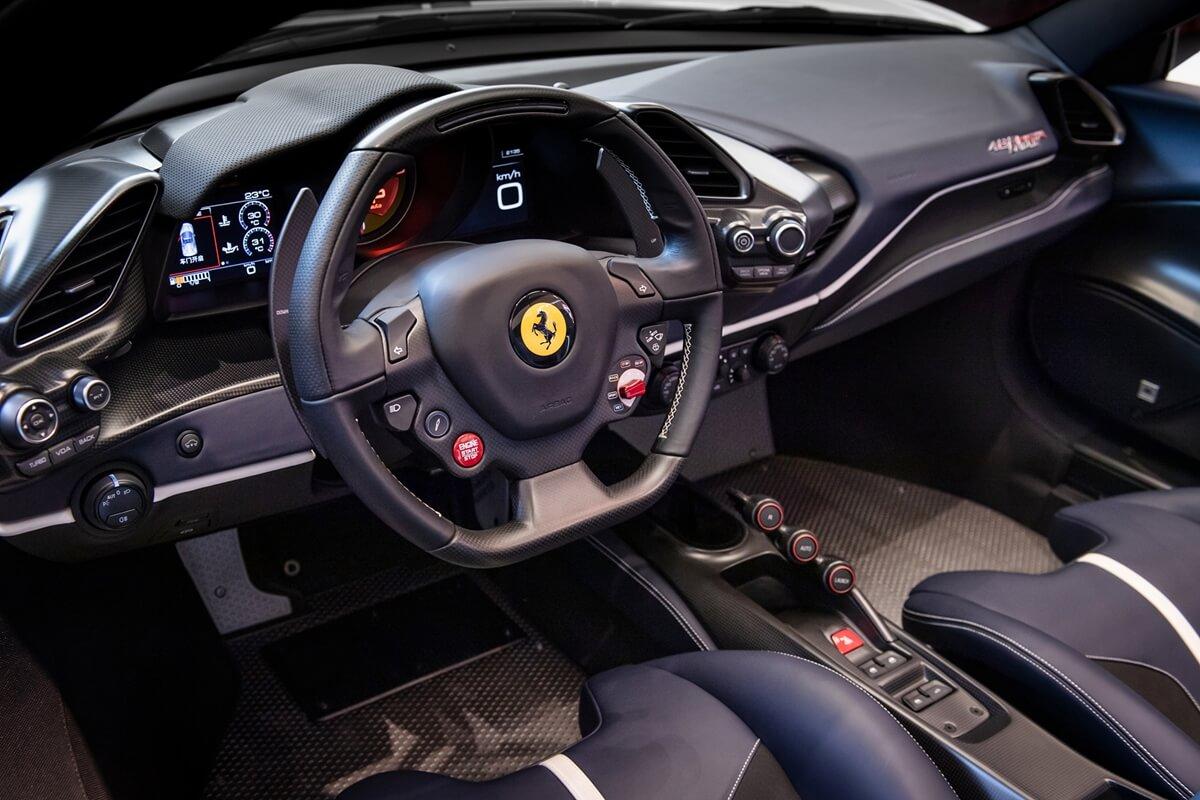 Ferrari-488-Pista Spide_TW_5.jpg