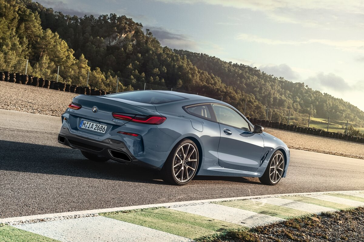 P90306594_highRes_the-all-new-bmw-8-se.jpg