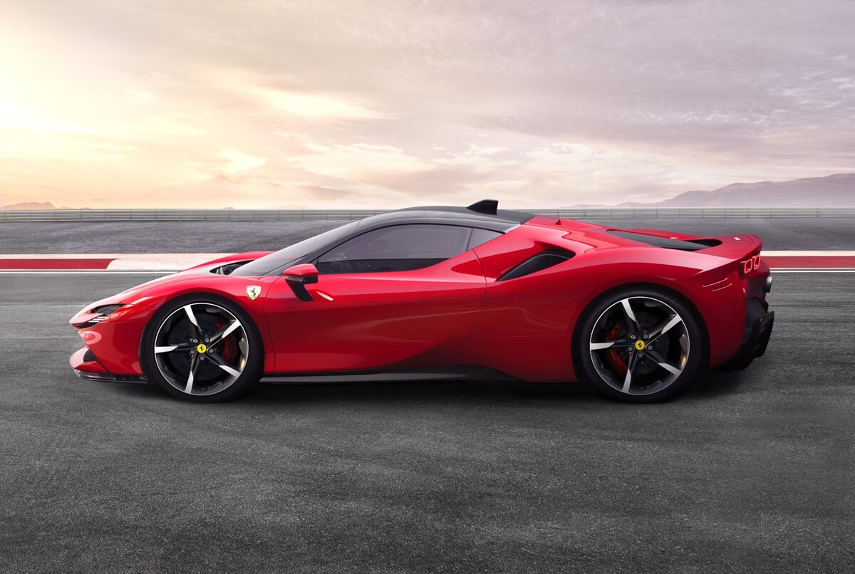 Ferrari_SF90_Stradale_2.jpg