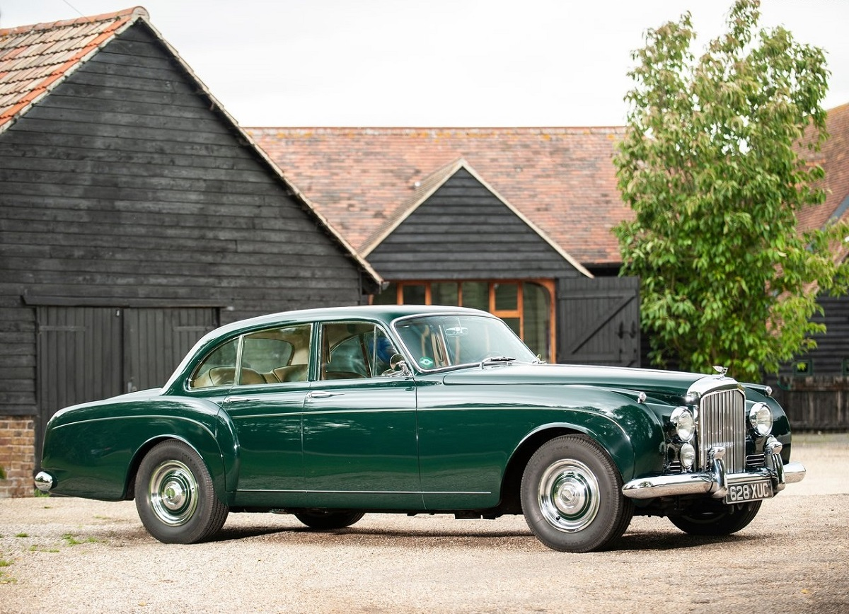 Bentley-S2_Continental_Flying_Spur-1959.jpg
