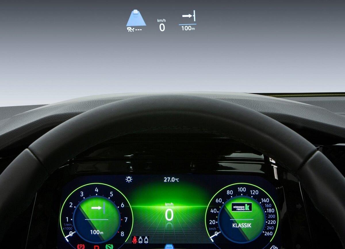 Volkswagen-Golf-2020-4.jpg