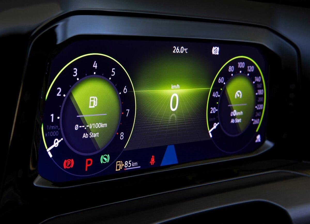 Volkswagen-Golf-2020-9.jpg