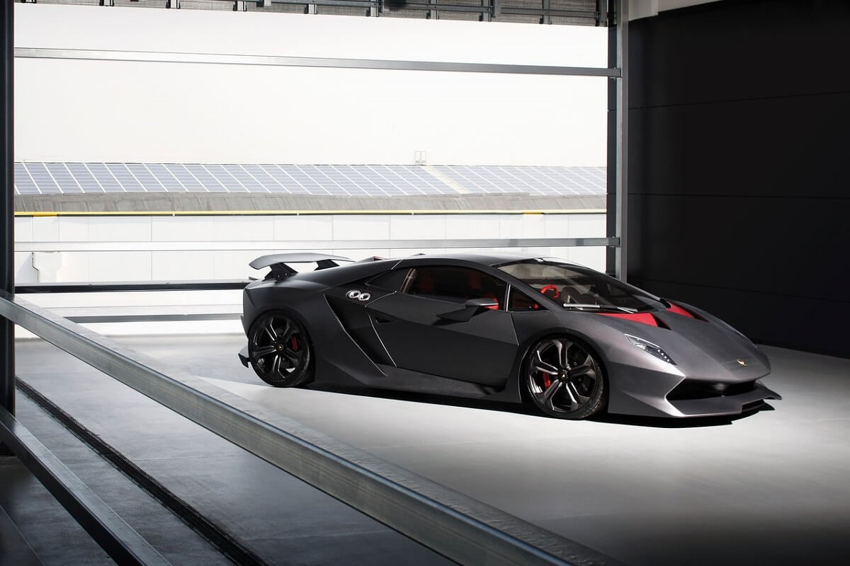 Lamborghini-Sesto_Elemento-1.jpg