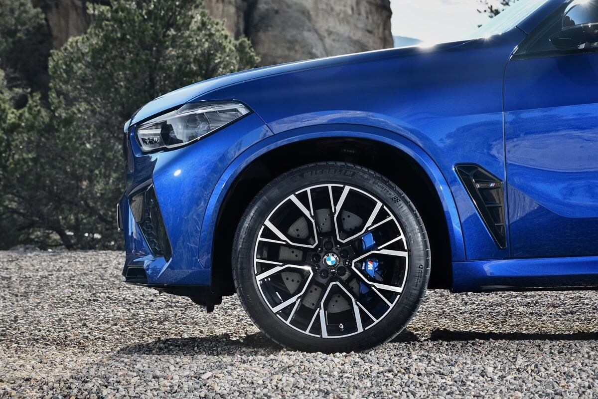 P90367321_highRes_the-new-bmw-x5-m-and.jpg