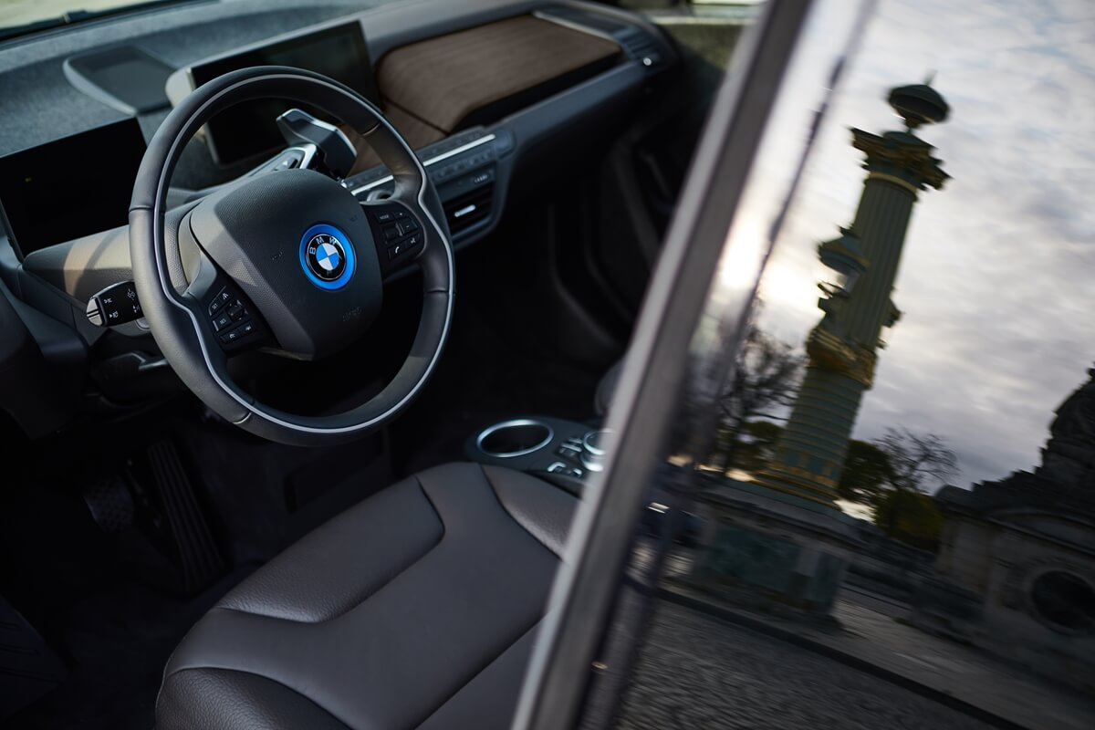 P90363109_highRes_the-bmw-i3s-edition-.jpg