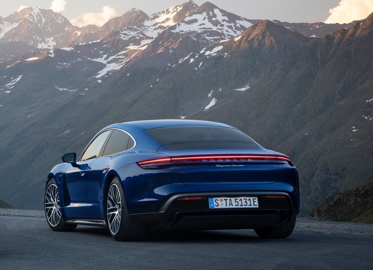 Porsche-Taycan-2020-6.jpg
