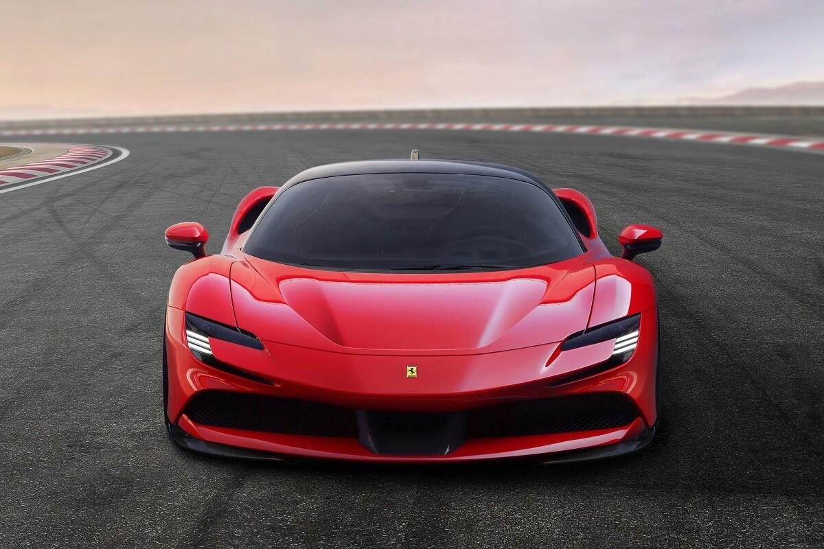 Ferrari_SF90_Stradale_5.jpg