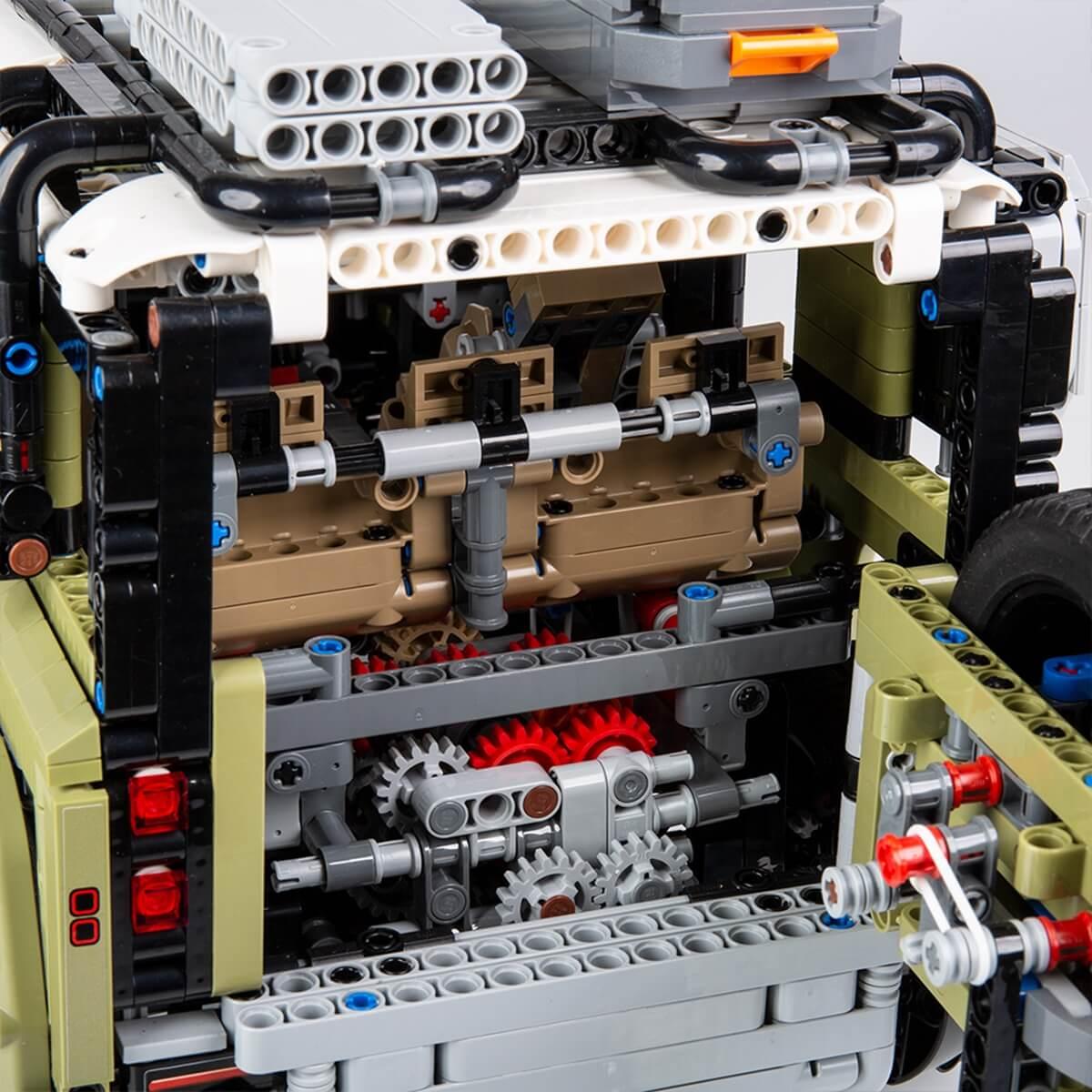 LR_DEF_20MY_LEGO_111019_Detail_2.jpg