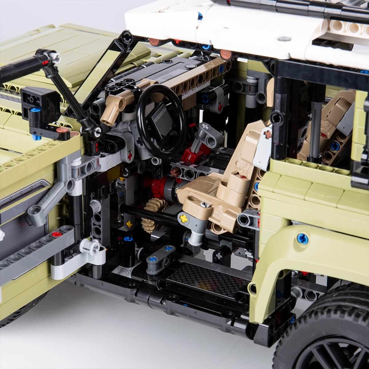 LR_DEF_20MY_LEGO_111019_Detail_3.jpg