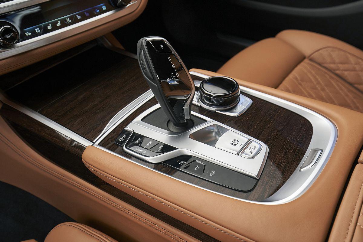 BMW 750Li xDrive_48.jpg