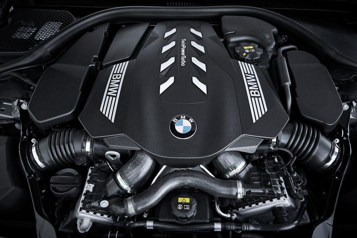 BMW 750Li xDrive_51.jpg