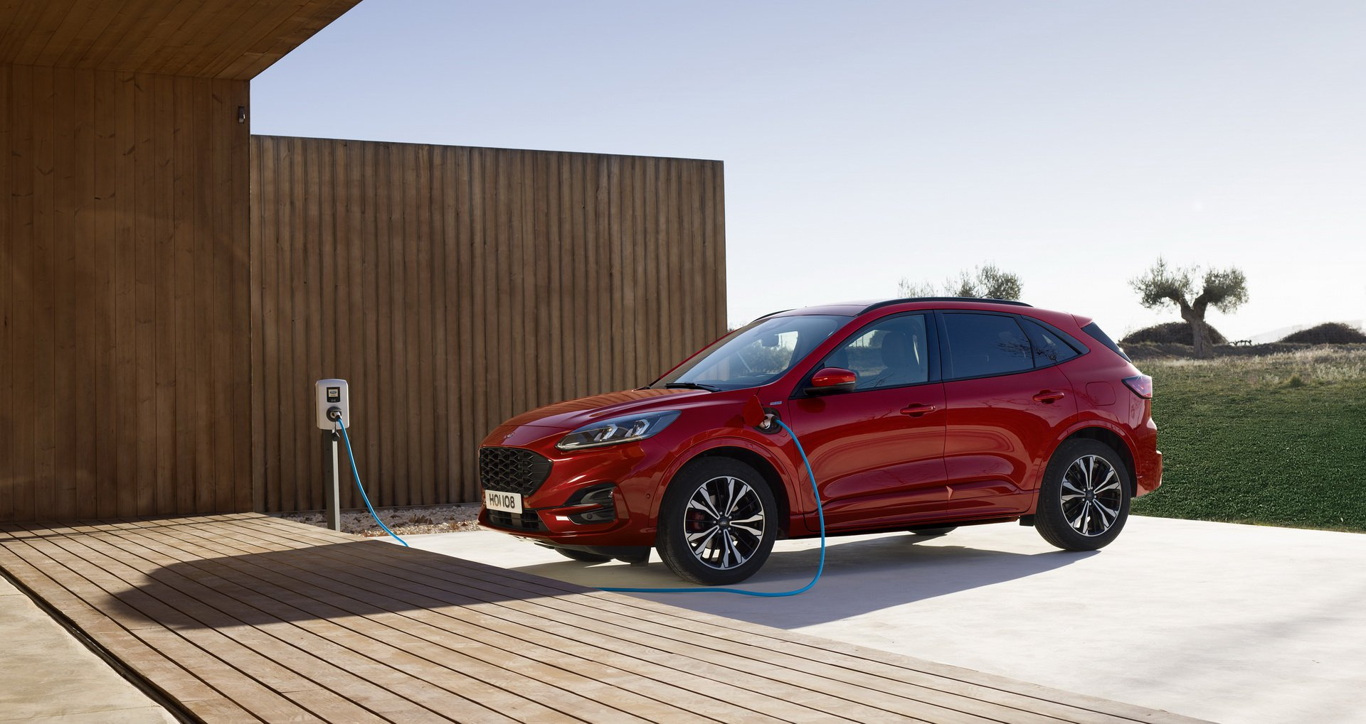 larger-lighter-2020-ford-kuga-debuts-with-three-hybrid-engines_1.jpg
