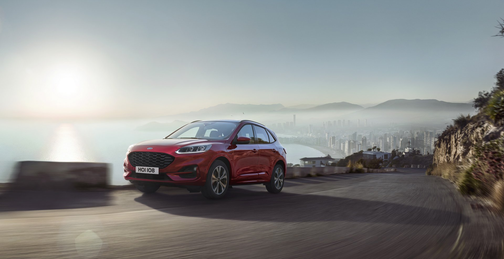 larger-lighter-2020-ford-kuga-debuts-with-three-hybrid-engines_14.jpg