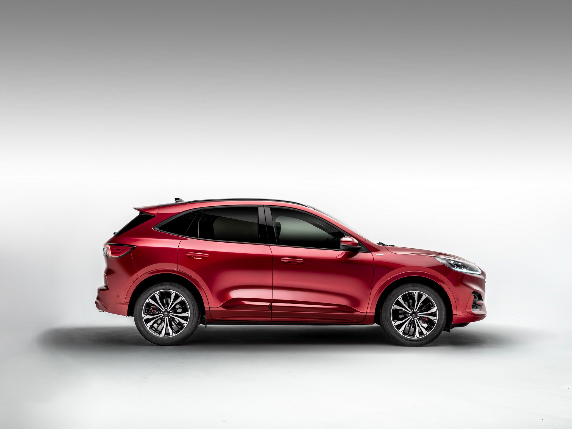 larger-lighter-2020-ford-kuga-debuts-with-three-hybrid-engines_19.jpg