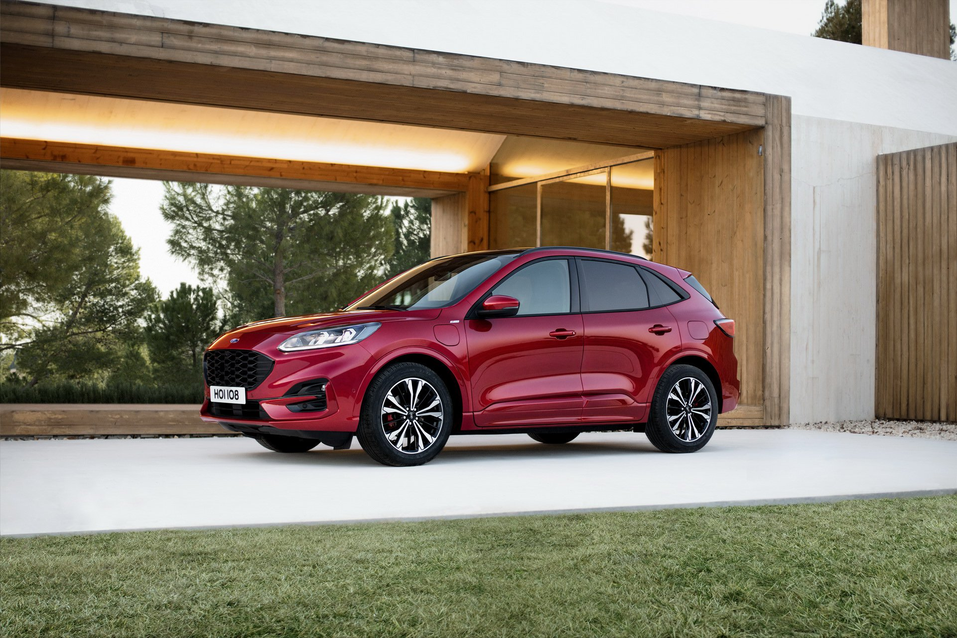 larger-lighter-2020-ford-kuga-debuts-with-three-hybrid-engines_22.jpg