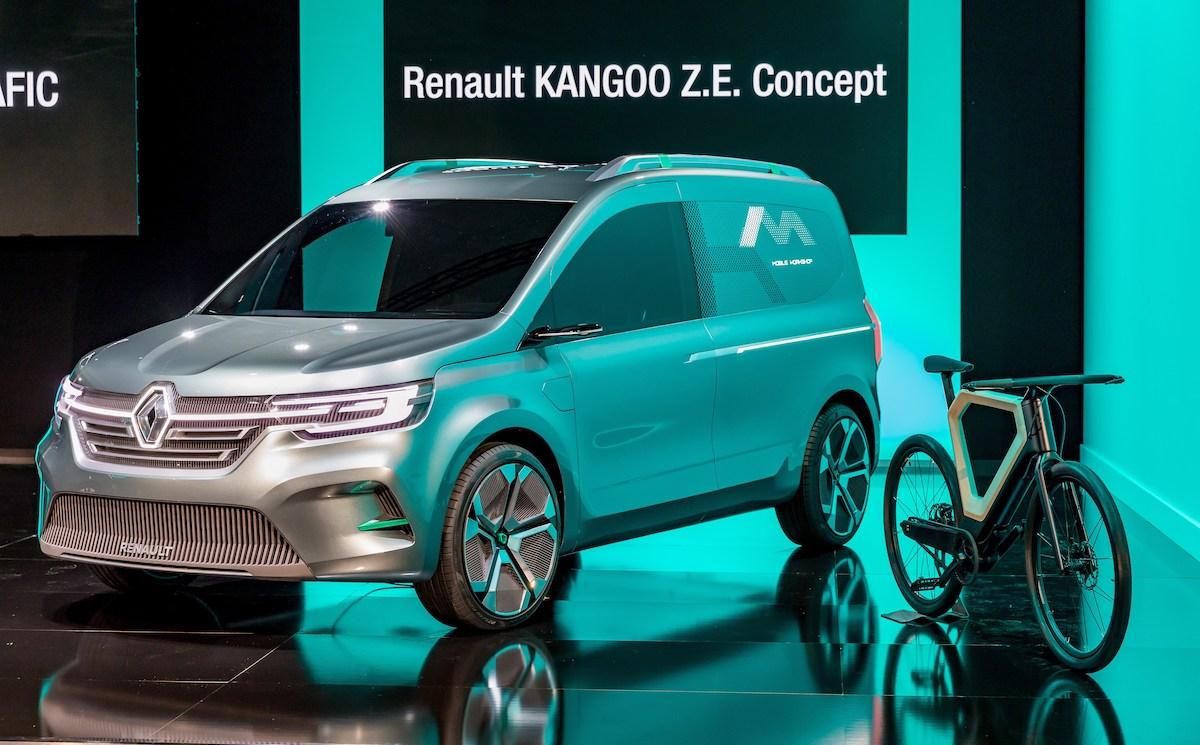 21225133_2019_-_Renault_Light_Commercial_Vehicles_Range.jpg