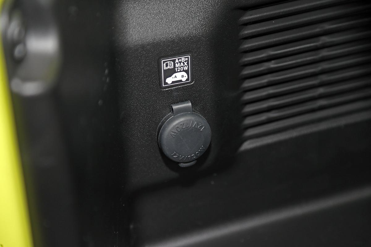 B26V8056.jpg