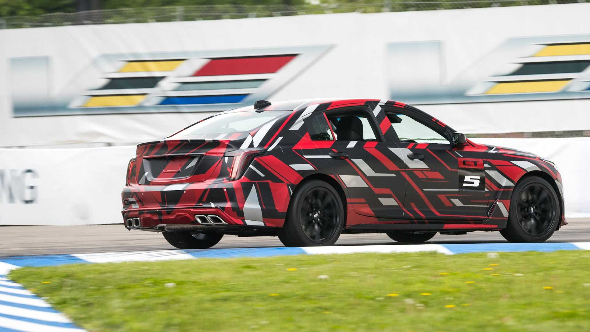 cadillac-two-new-v-series-prototypes (5).jpg
