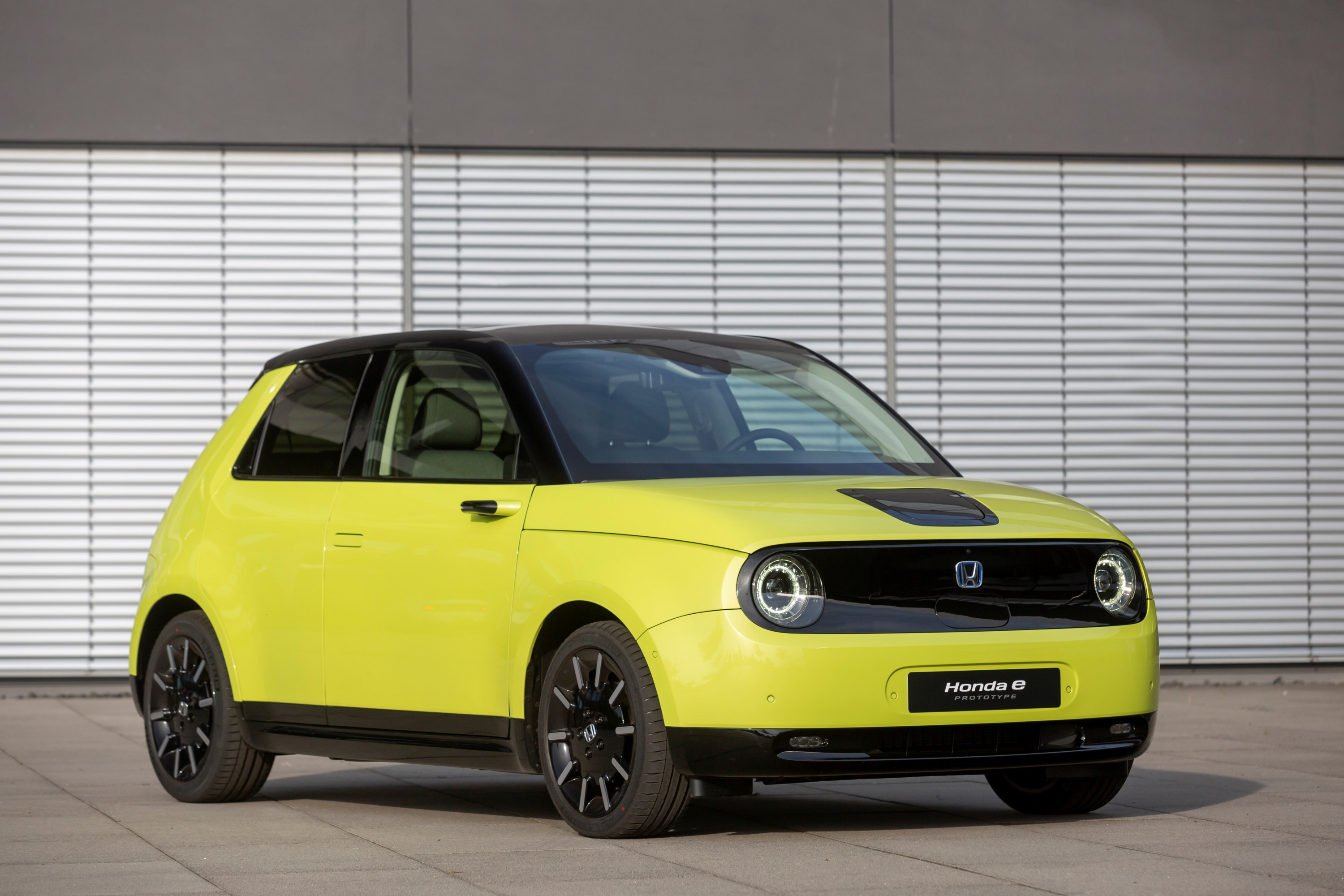 185276_HONDA_E_THE_PERFECT_BALANCE_OF_EFFICIENCY_AND_PERFORMANCE_FOR_URBAN.jpg
