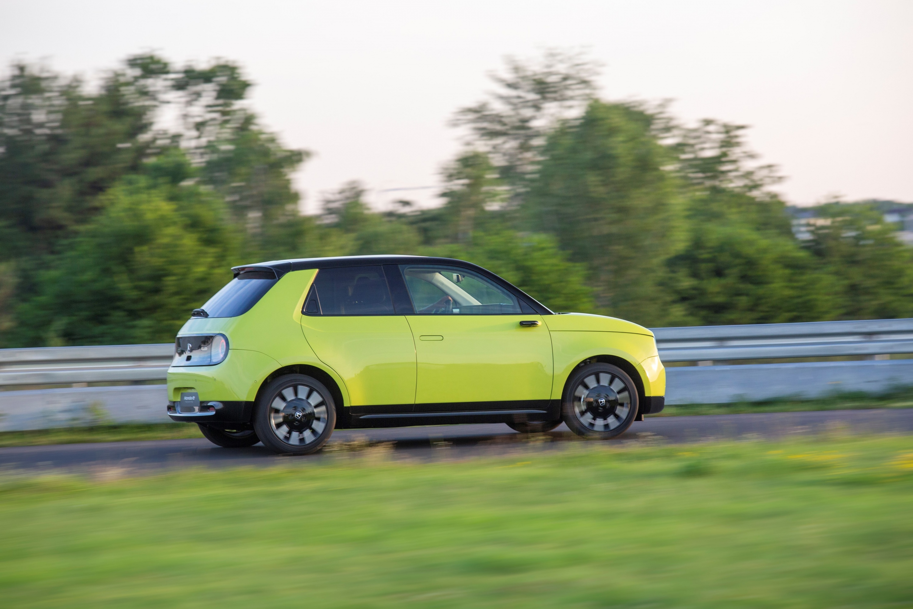 185281_HONDA_E_THE_PERFECT_BALANCE_OF_EFFICIENCY_AND_PERFORMANCE_FOR_URBAN.jpg