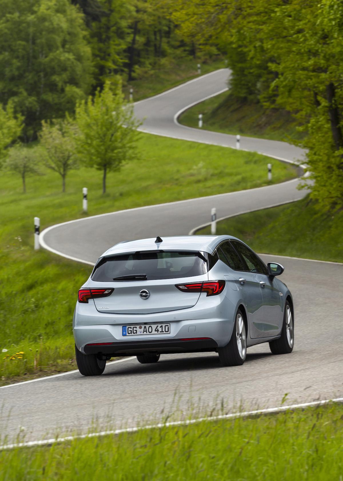 Opel-Astra-507805.jpg