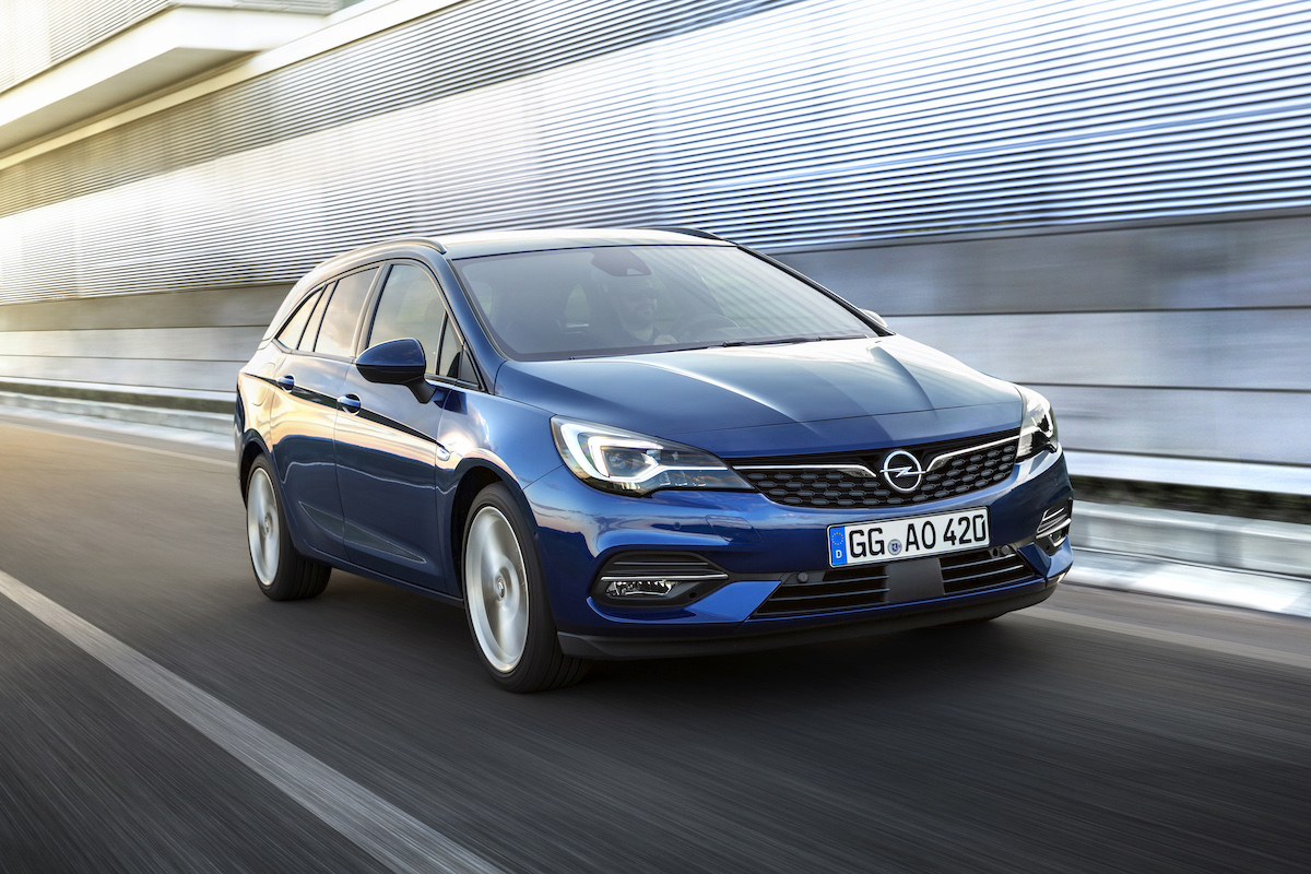 Opel-Astra-Sports-Tourer-507799.jpg