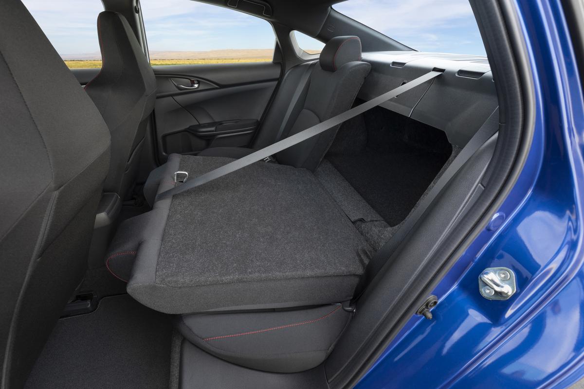 2020_Honda_Civic_Si_Sedan_076.jpg