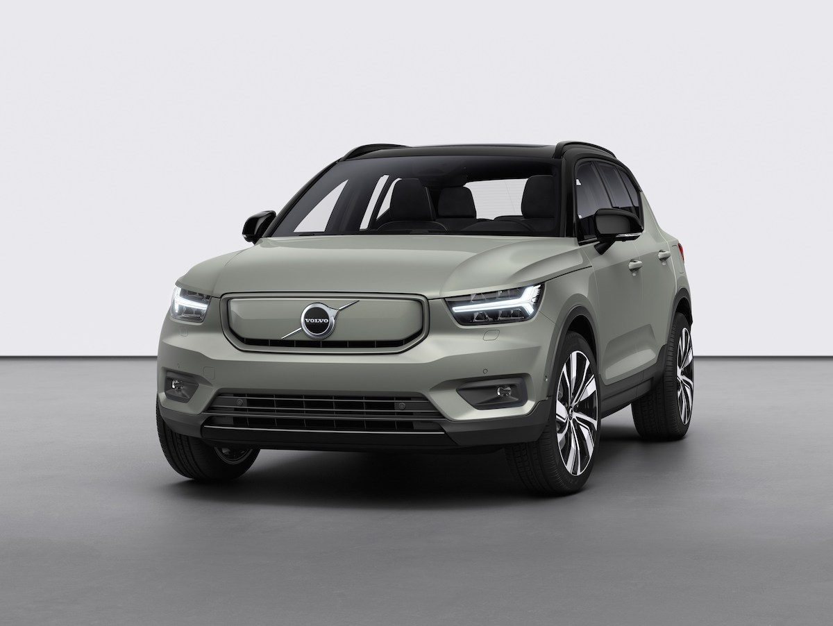 259186_Volvo_XC40_Recharge_P8_AWD_in_Sage_Green.jpg