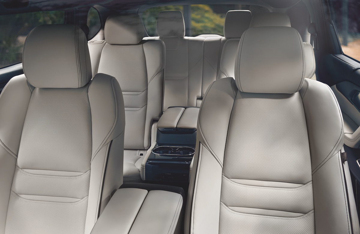 2020-Mazda-CX-9-Second-Row-Captains-Chairs-02.jpg
