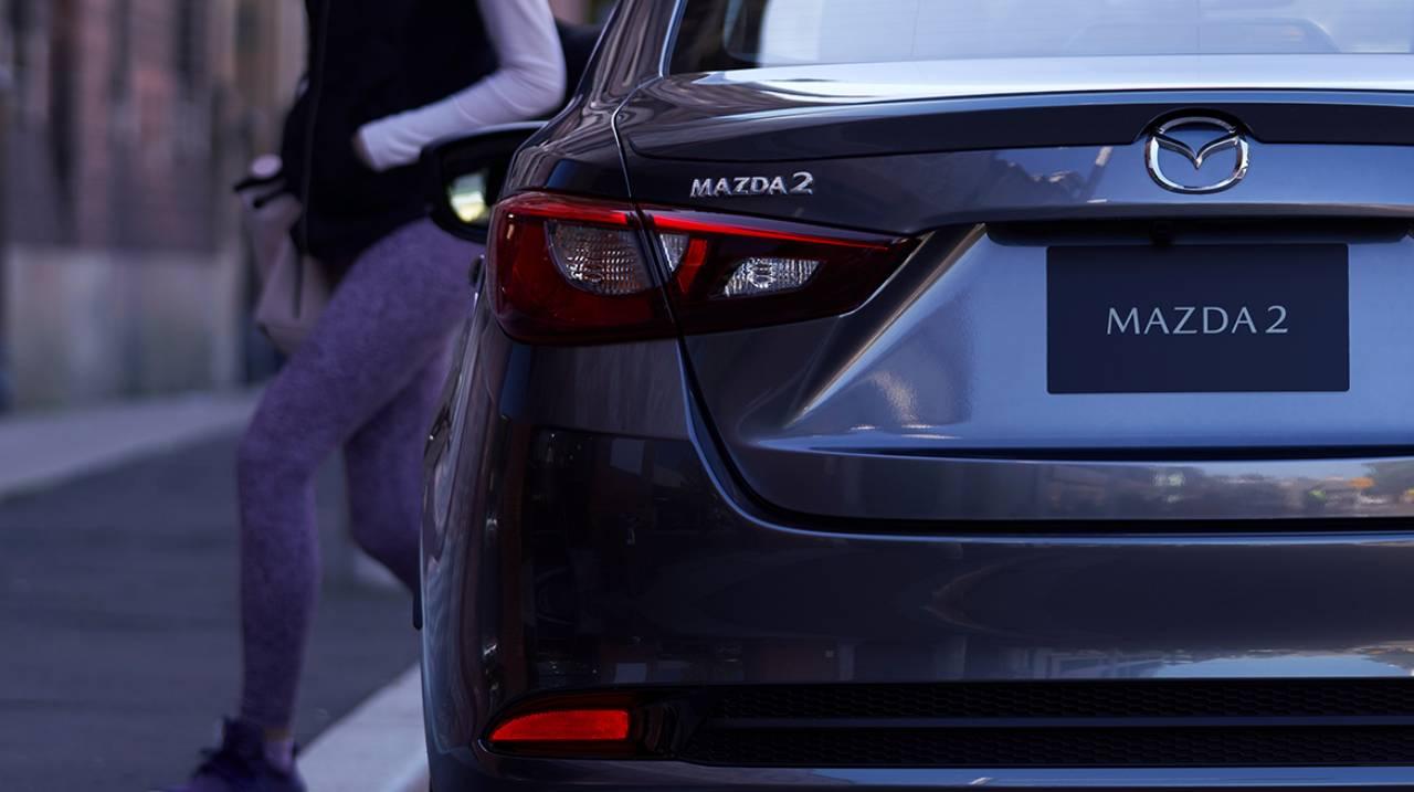 2020-Mazda2-Sedan-Mexico-spec-10.jpg