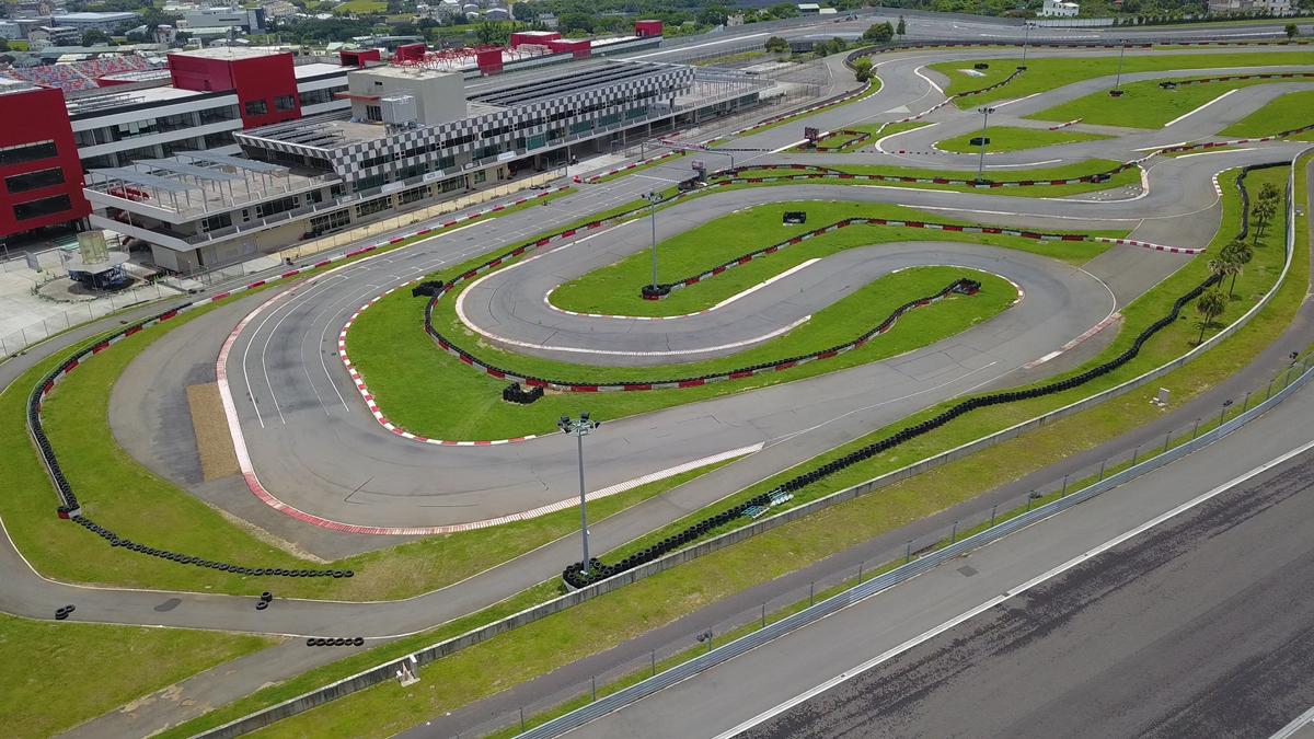 賽車夢不遠 亞洲最佳卡丁賽道辦夏令營 培養車界新星學員們將在國際FIA CIK認証之「亞洲最佳卡丁賽道」上學習卡丁車操控技巧.jpg