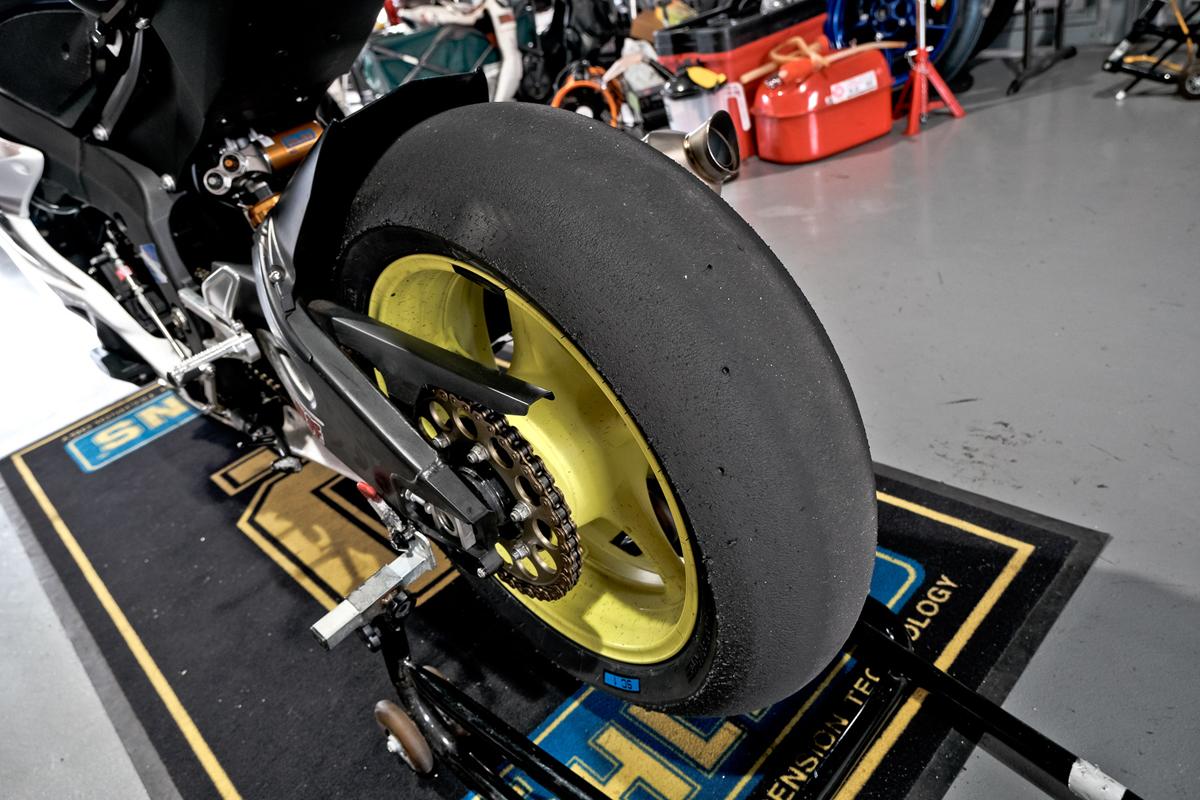 這次倍耐力提供給江直螢使用的後胎尺寸為 190_60 R 17.jpg