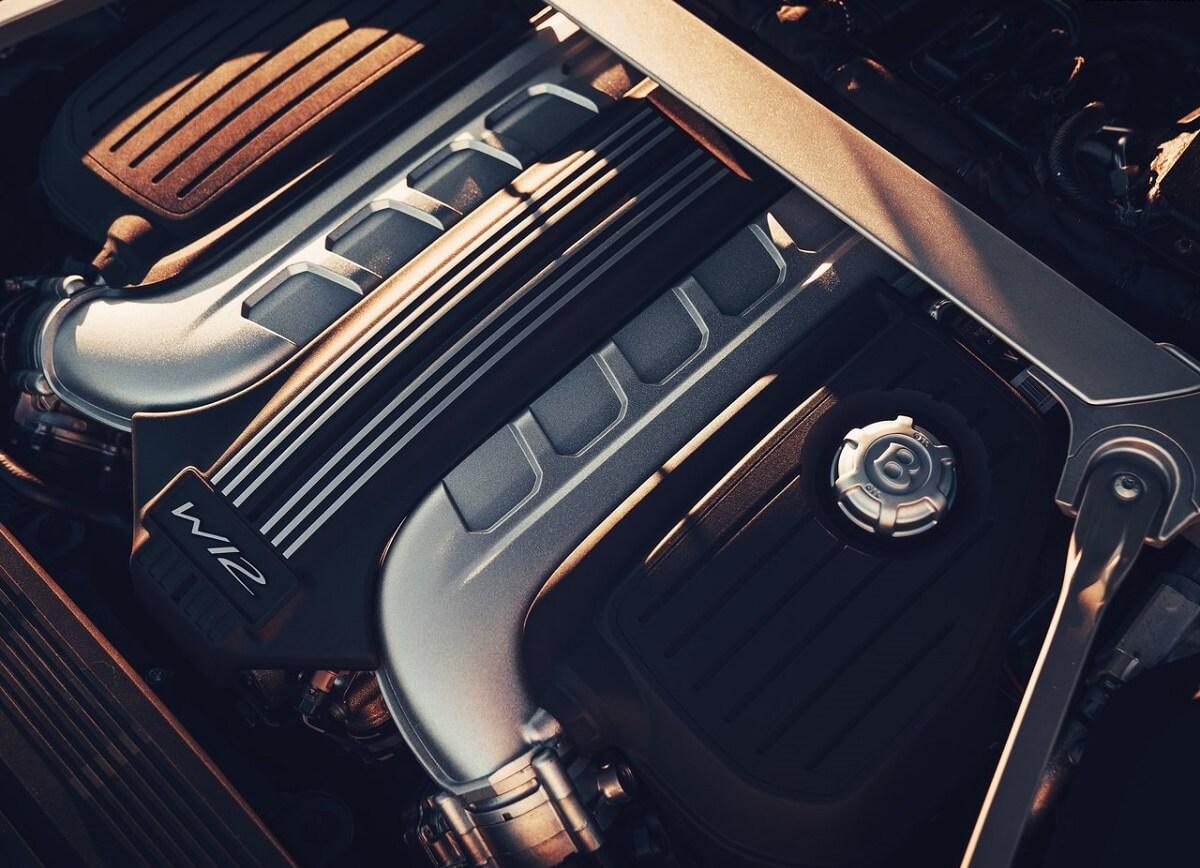 Bentley-Flying_Spur-2020-1.jpg
