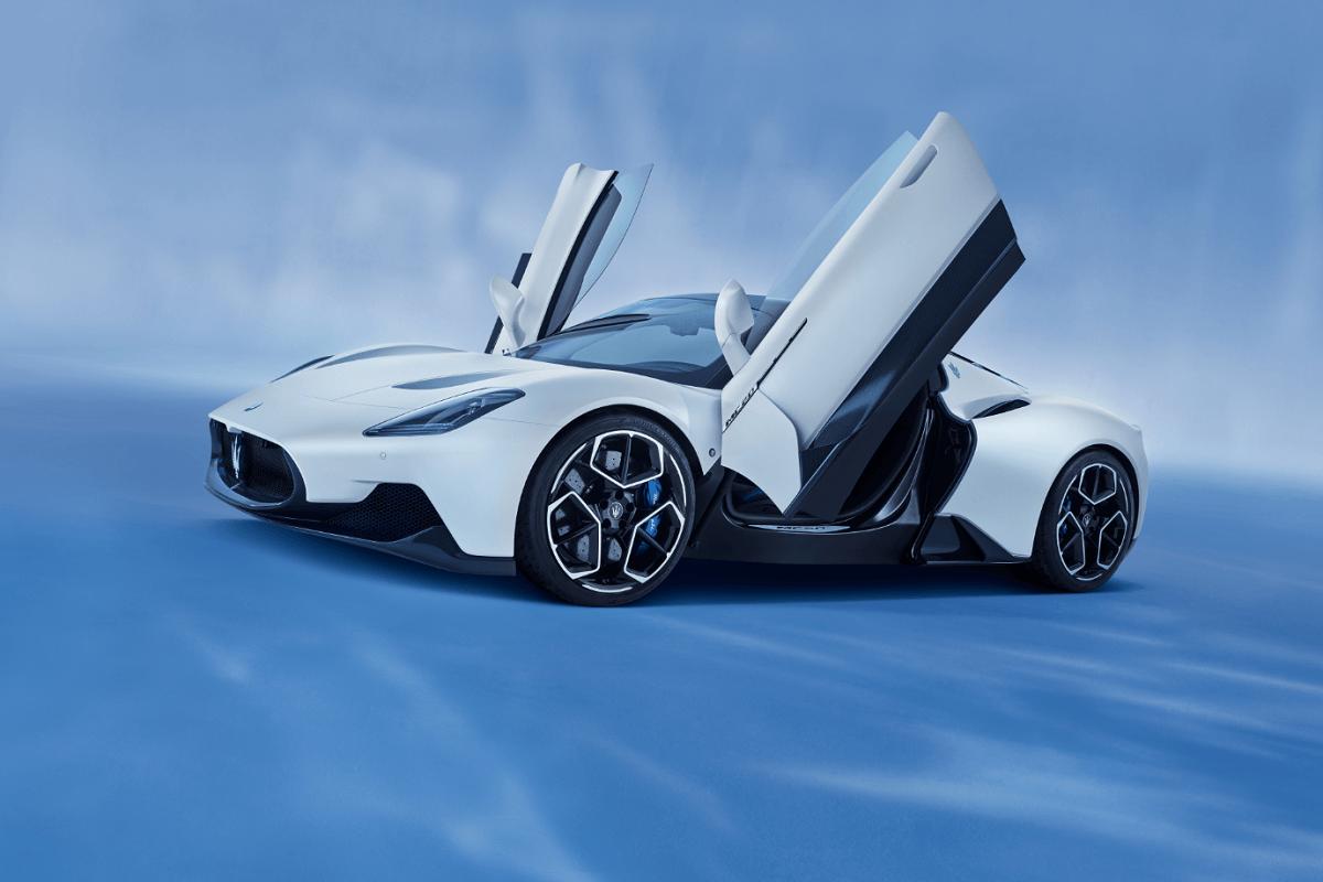 02_Maserati_MC20.png