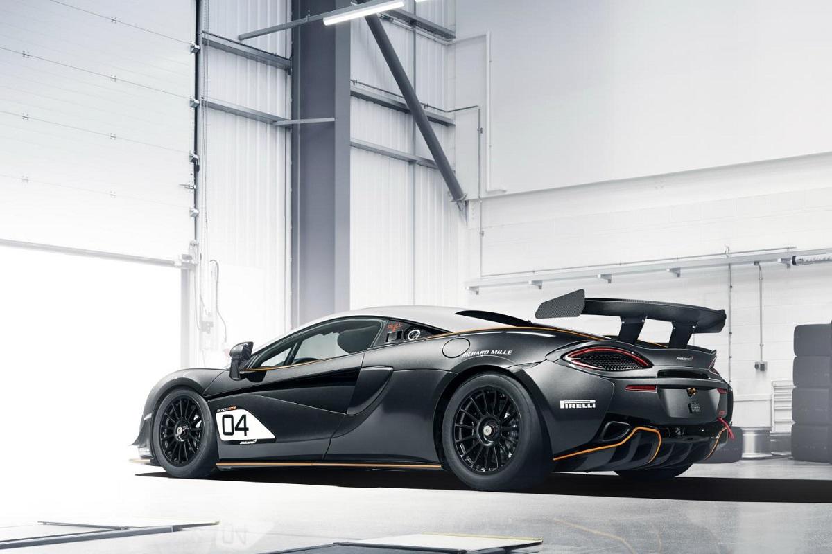 3-McLaren-GT4.jpg