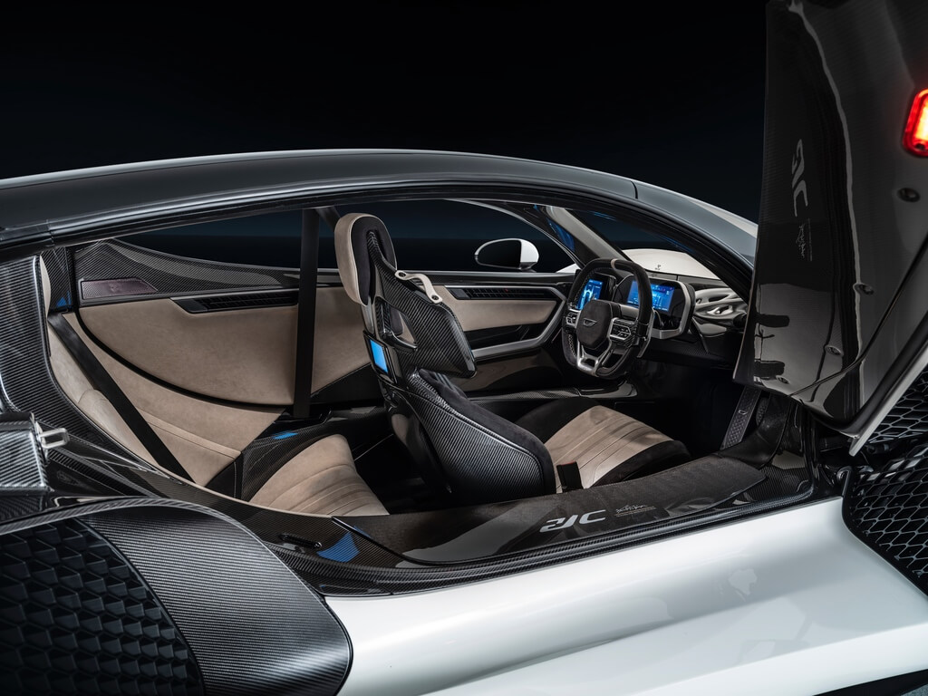0.7-Czinger-21C-Geneva-International-Motor-Show-2020-specification-interior.jpg