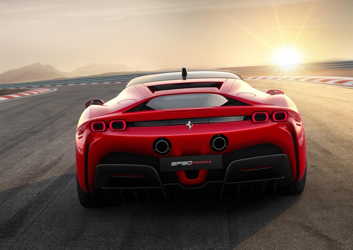 Ferrari_SF90_Stradale_4.jpg