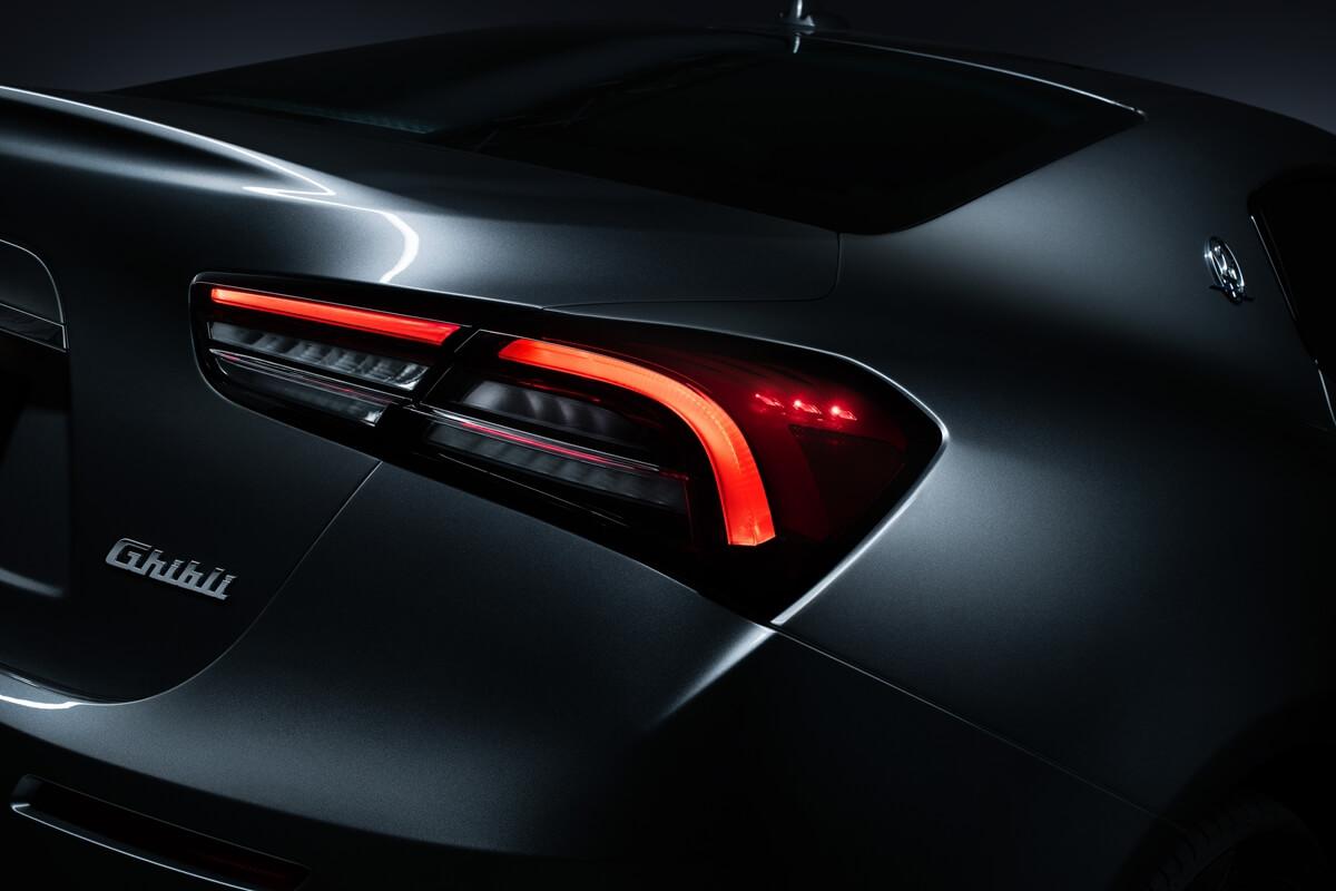 09_Maserati_Ghibli_Hybrid.jpg