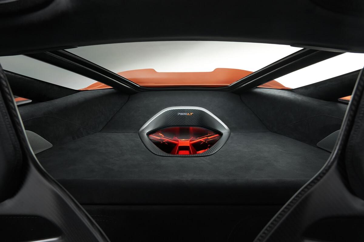 McLaren-765LT_Studio_13.jpg