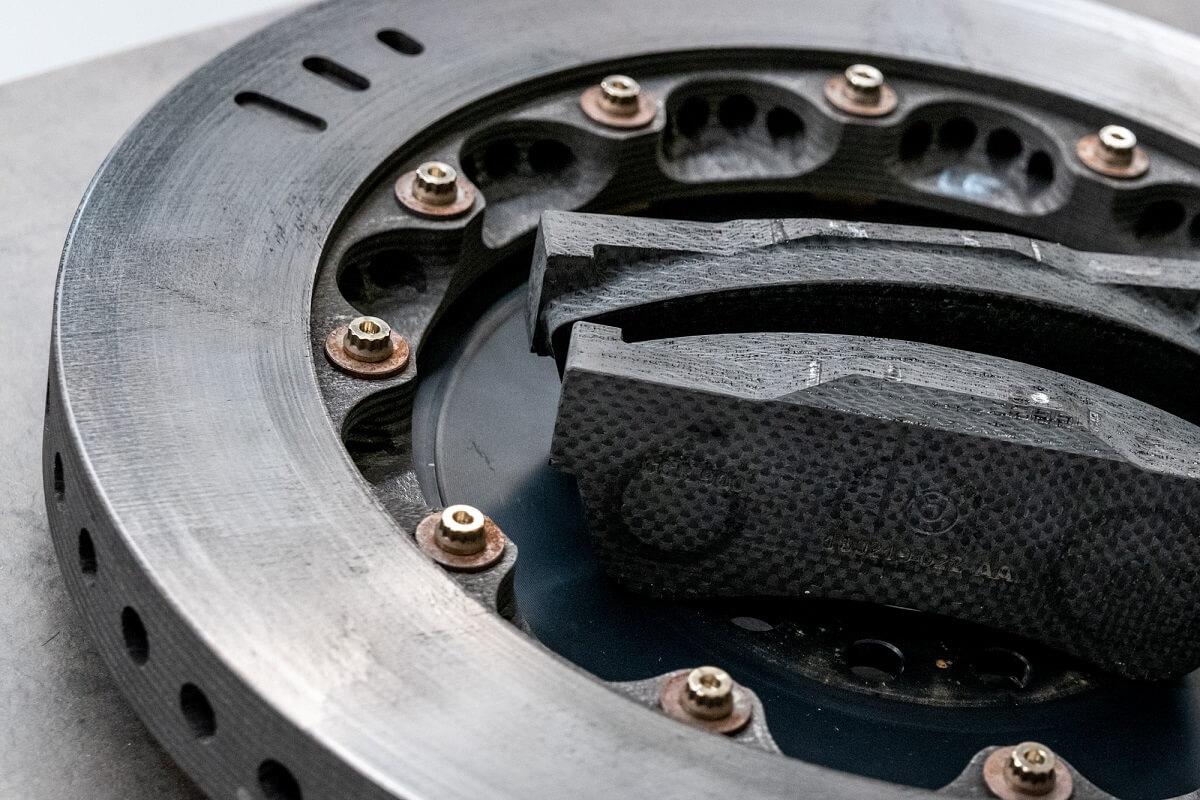 Brabham-BT62-Carbon-Brakes.jpg